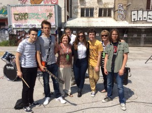 Mairead Maguire & Ann Patterson meeting young people in Sarajevo.